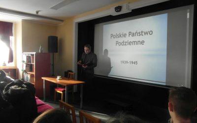 Wykład dr hab. Witolda Gieszczyńskiego dla młodzieży z ZSO im. W. Kętrzyńskiego